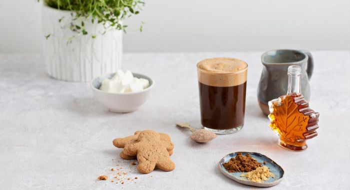 gingerbread latte recipe step by step how to make iced coffee at home two gingerbread cookies on the side