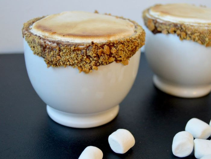 marshmallow latte recipe how much coffee per cup mug decorated with chocolate cookie crumble