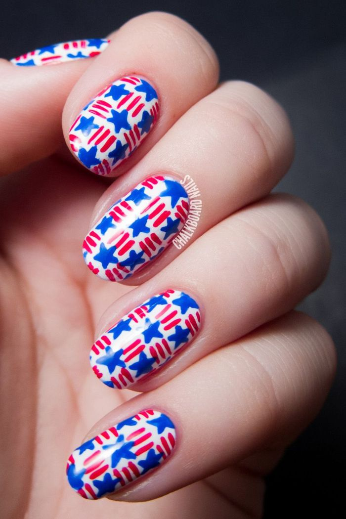 basket weave decoration with blue stars red stripes fourth of july nail designs short squoval nails