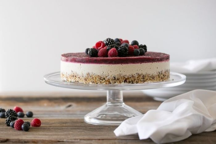 mixed berry cheesecake easy 4th of july desserts decorated with blackberries blueberries raspberries
