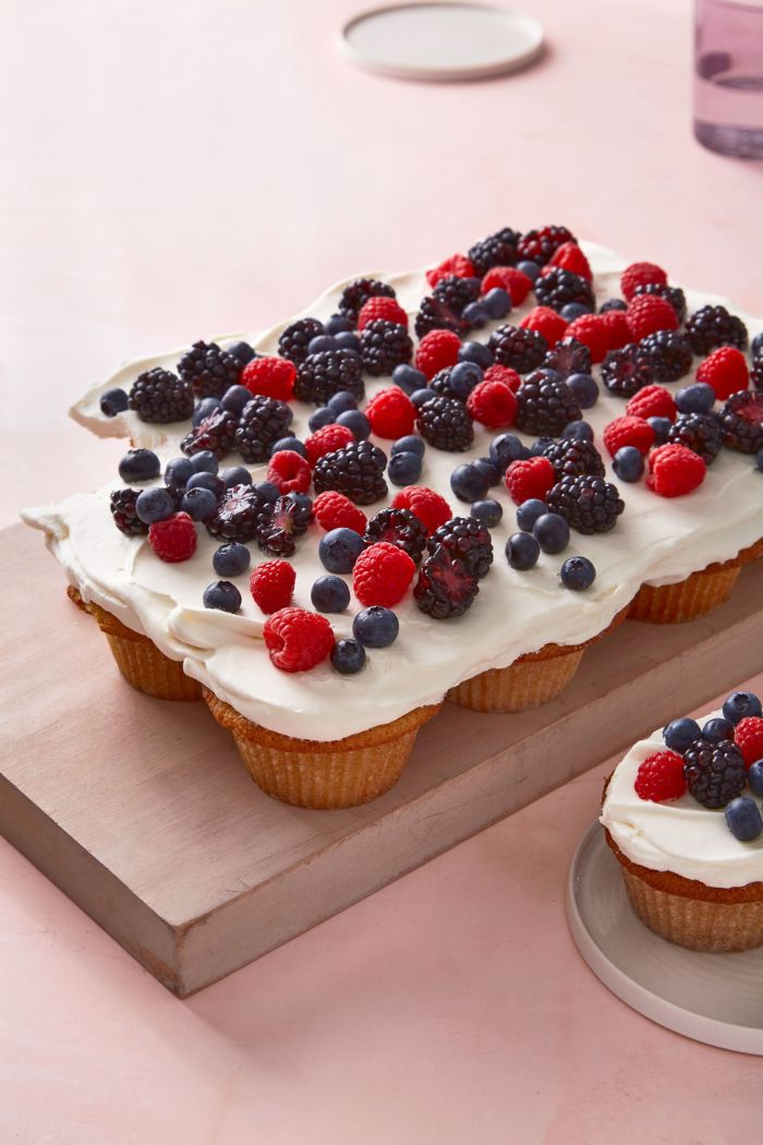 pull apart cupcakes fourth of july recipes decorated with white frosting blueberries blackberries and raspberries