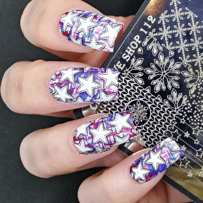 red blue stripes on white nail polish 4th of july nail art white stars on each finger