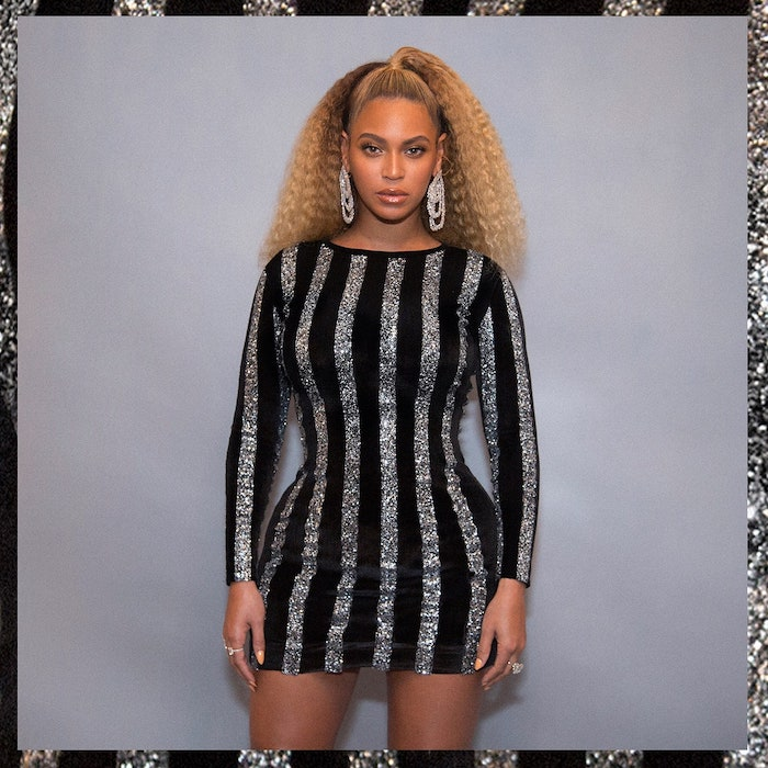 beyonce wearing dress with black and silver stripes how to crimp hair long hair in ponytail