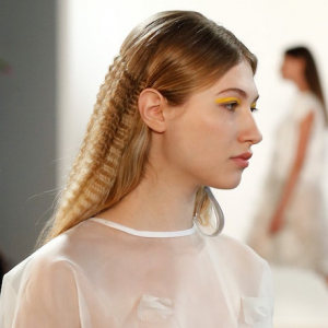 Back From The 90s - Crimped Hair Is The New Trend For 2021