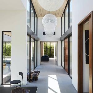 Modern Hallway Decor Ideas For a Creative Space