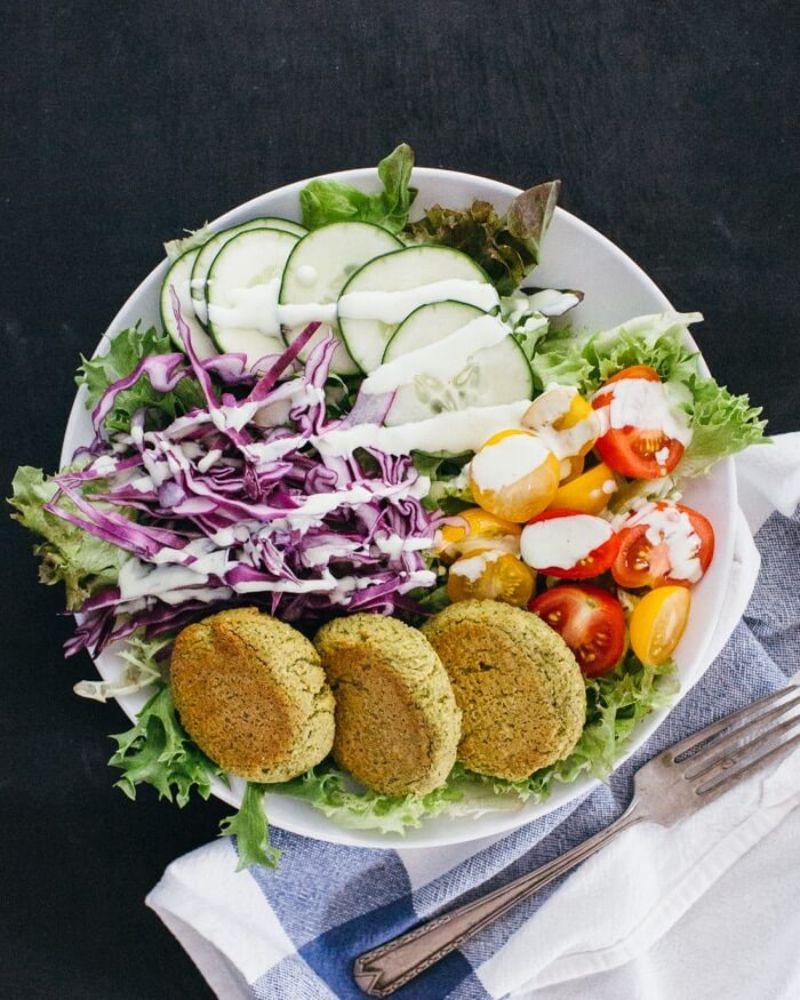 mediterranean diet meal plan falafel bowl with veggies