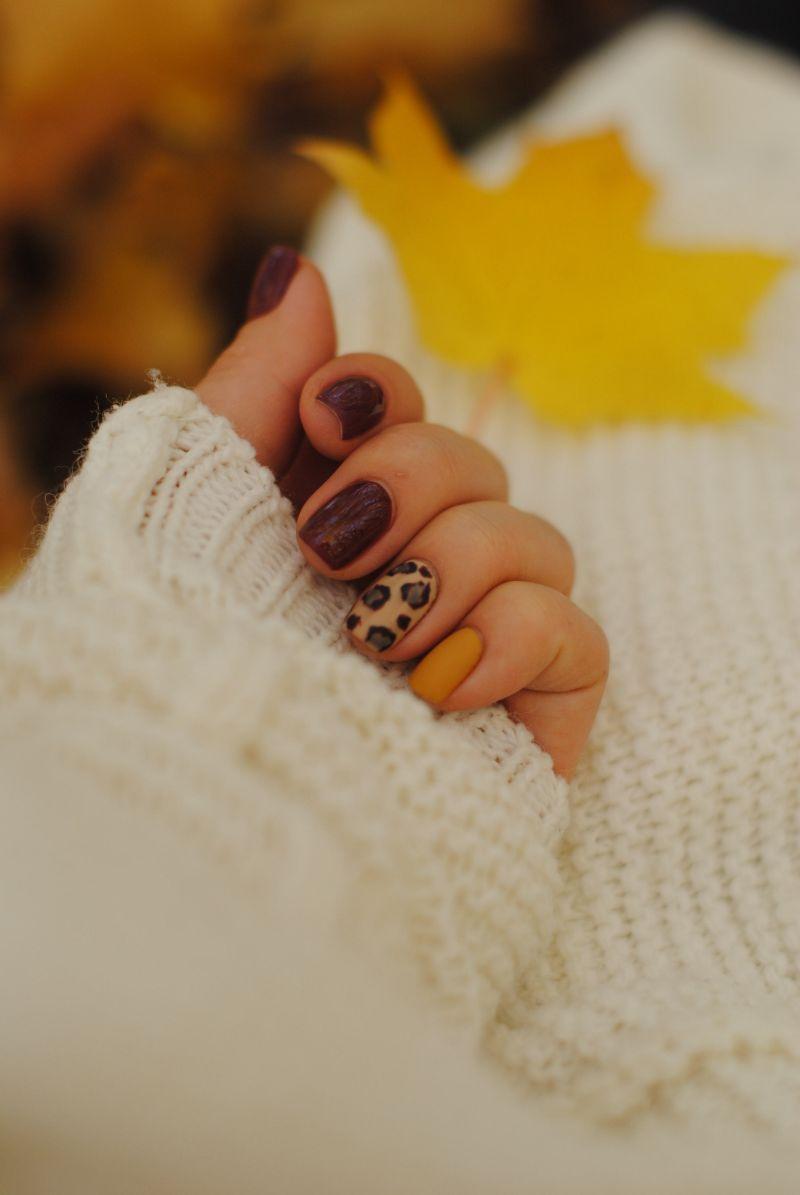 animal print cute nail designs brown yellow