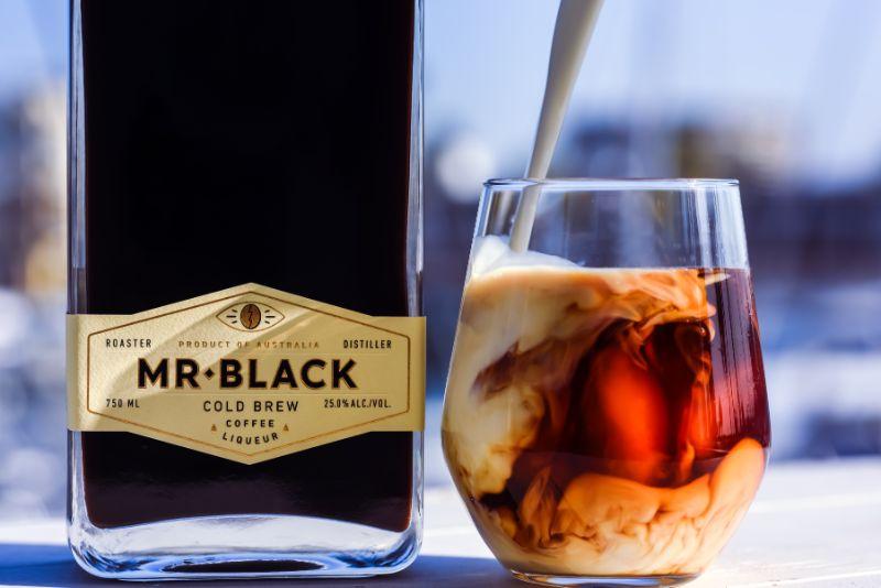 black russian with coffee liqueur vodka cocktails