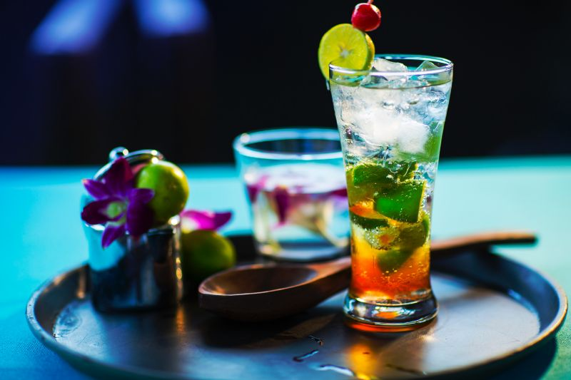 tall glass with lime best vodka drinks on ice