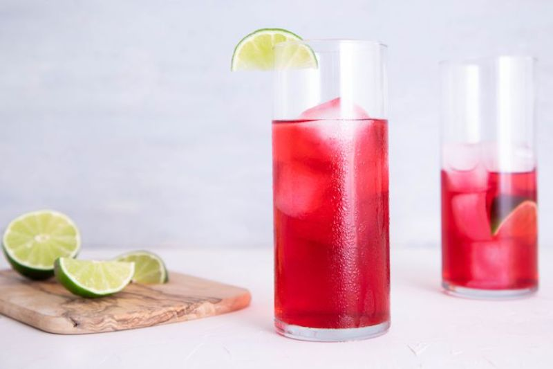 vodka cranberry in tall glass easy vodka cocktails