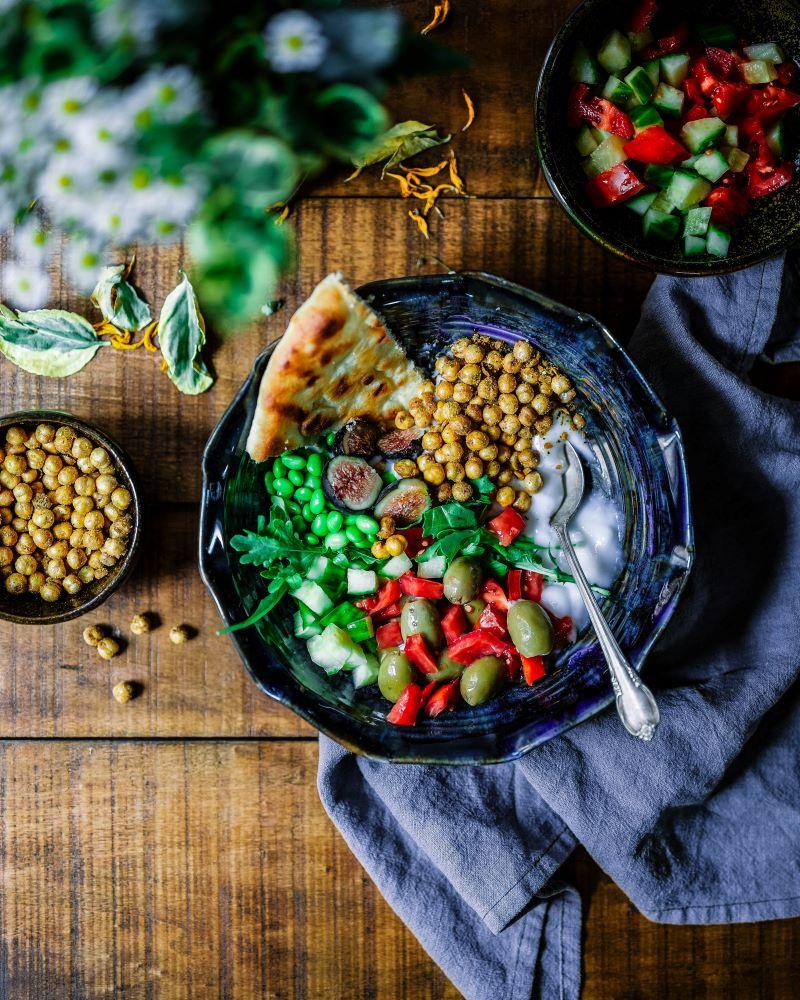 what is mediterranean diet chickpeas with salad