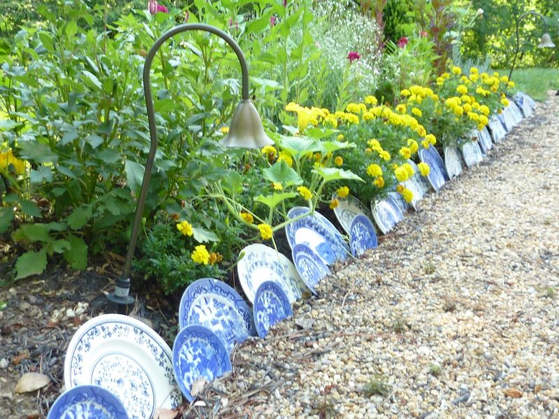 garden edging ideas with old plates