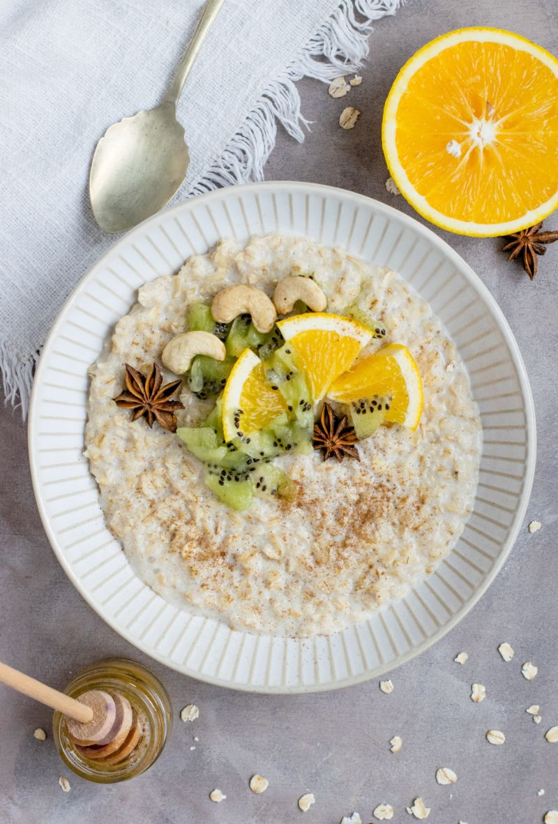 bowl full of oats is oatmeal good for weight loss
