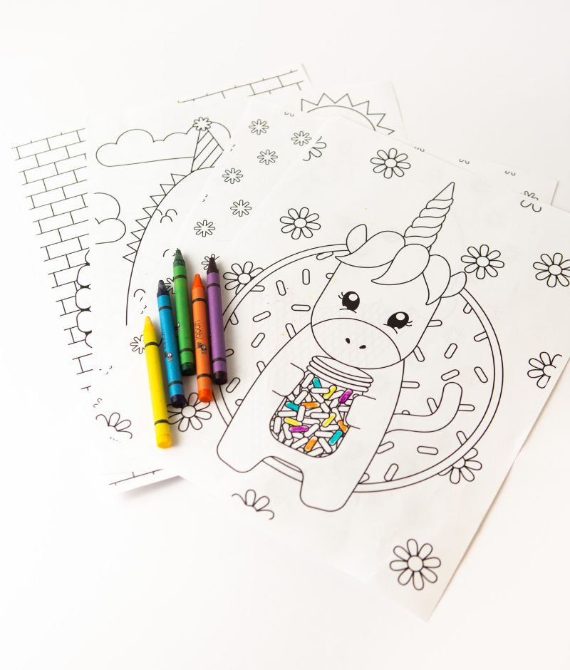 crayons on unicorn pictures to color in black white